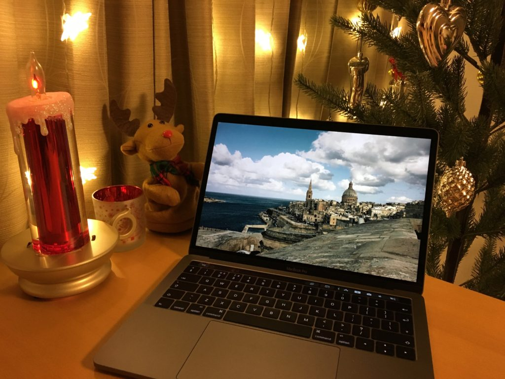 MacBook Pro 13インチ(2016 Late)  1ヶ月使用レビュー。