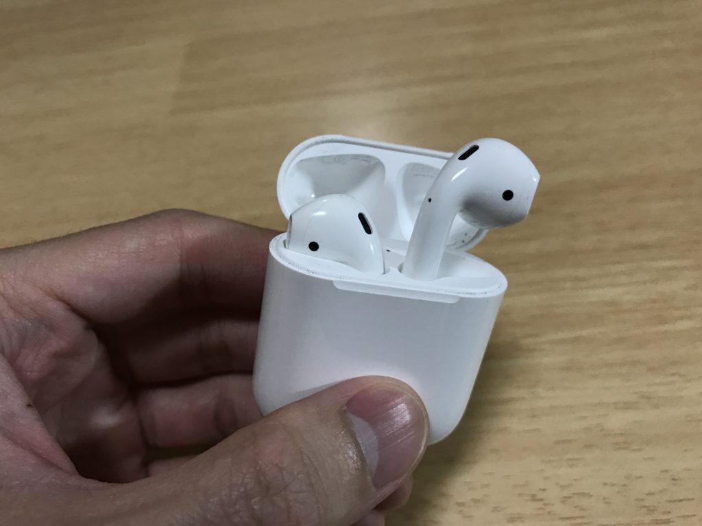 Appleのワイヤレスイヤホン「AirPods」を1ヶ月半くらい使ってみたので感想など。