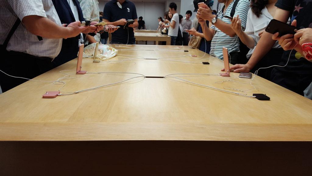 【レポート】iPhone 7 / 7 Plus発売日の夜、Appleストア心斎橋に行ってみた!