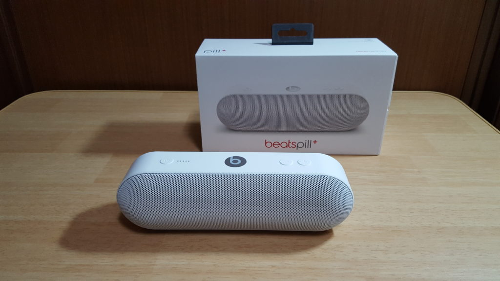 beats by dr.dre「Beats Pill+」レビュー。シンプルでスタイリッシュなデザインと、クリアで透明感のあるサウンドのBluetoothスピーカー。