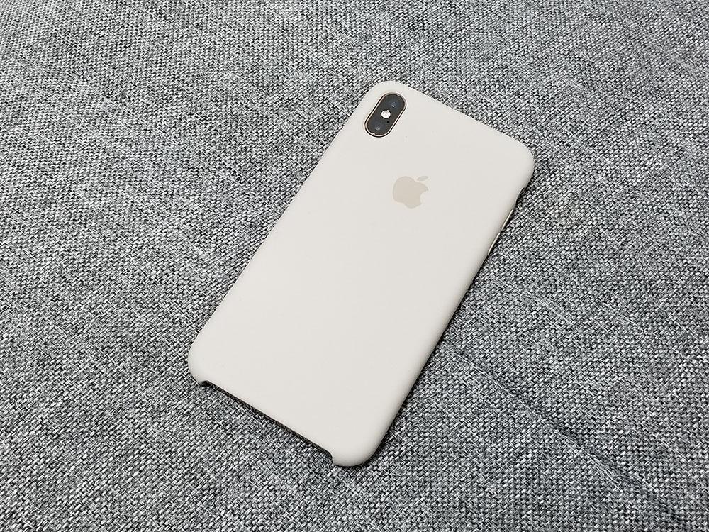 純正シリコーンケースは買うな? iPhone Xs Maxのケース選び!