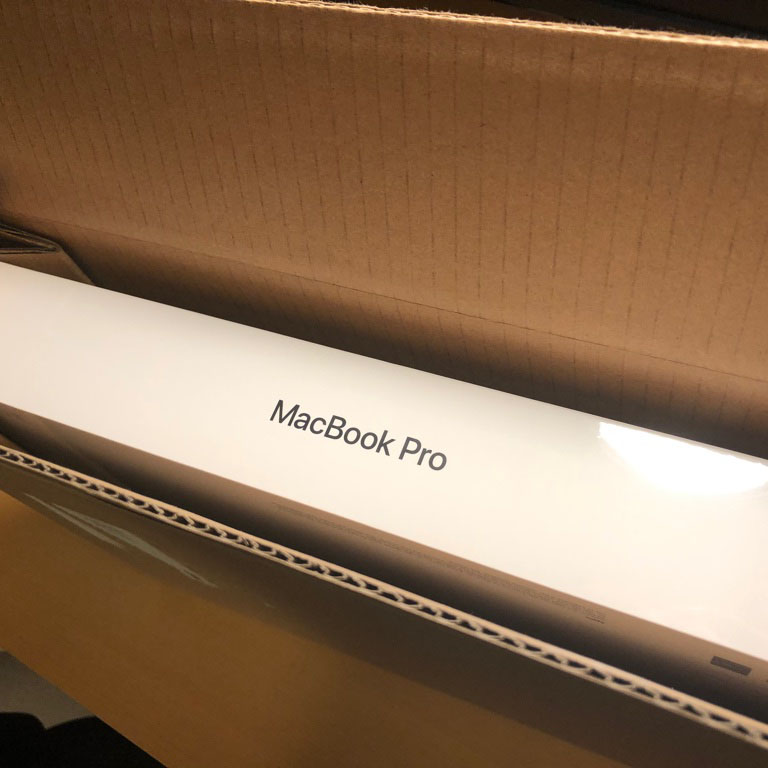 ああ、ついに買ってしまった。Macbook Pro 15インチ 2018購入レビュー!