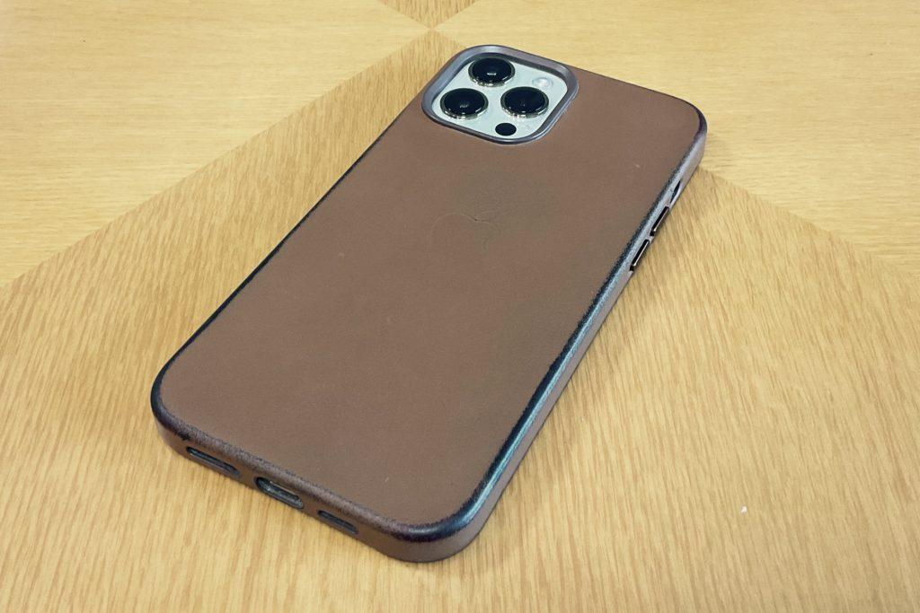 iPhone 12 Pro Max|純正のレザーケース(サドルブラウン)